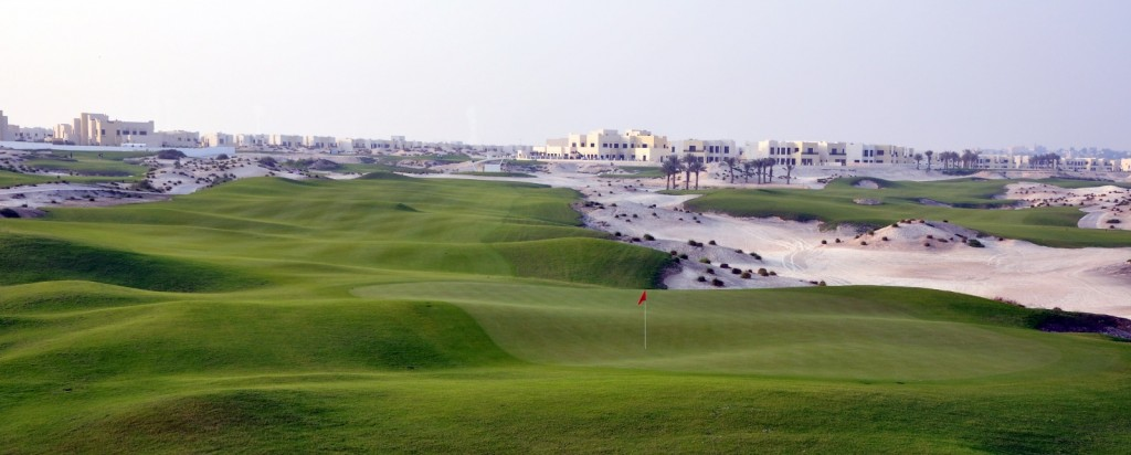Figure 4: Less than 3 years later and the same scene has become the 3rd (right) and 8th (left) holes of the Royal Golf Club, part of the huge Riffa Views development. Photo taken in 2009.